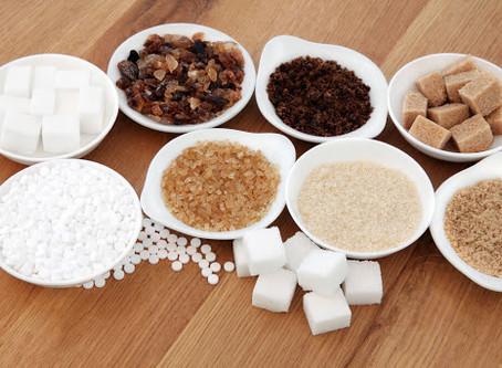 Açúcar mascavo, demerara ou de coco? Saiba sobre as opções mais saudáveis.