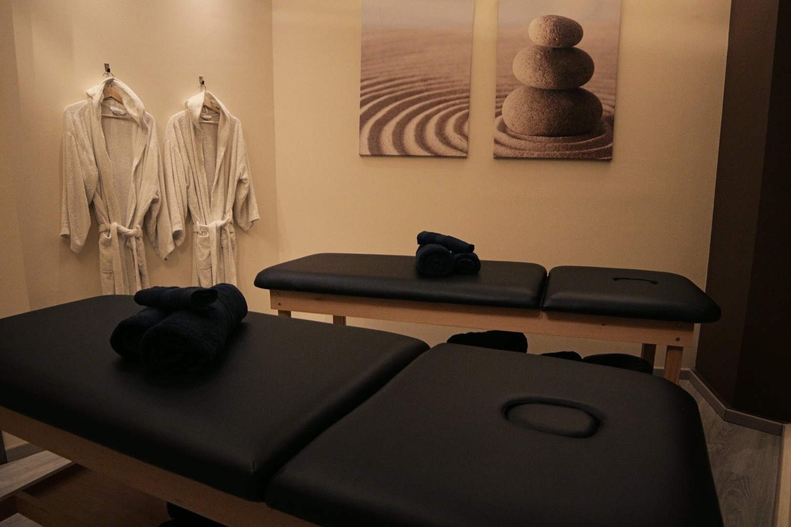 The spot Massage (7).jpg