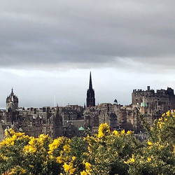 A very windy #edinburgh #scotland #caltonhill
