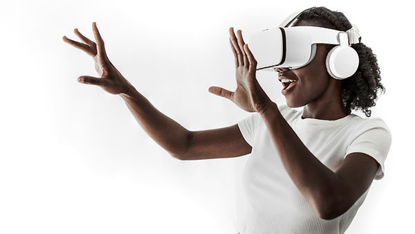 african-american-woman-experiencing-vr-s