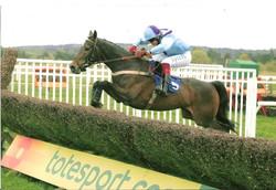 Passato winning at Exeter with Choc