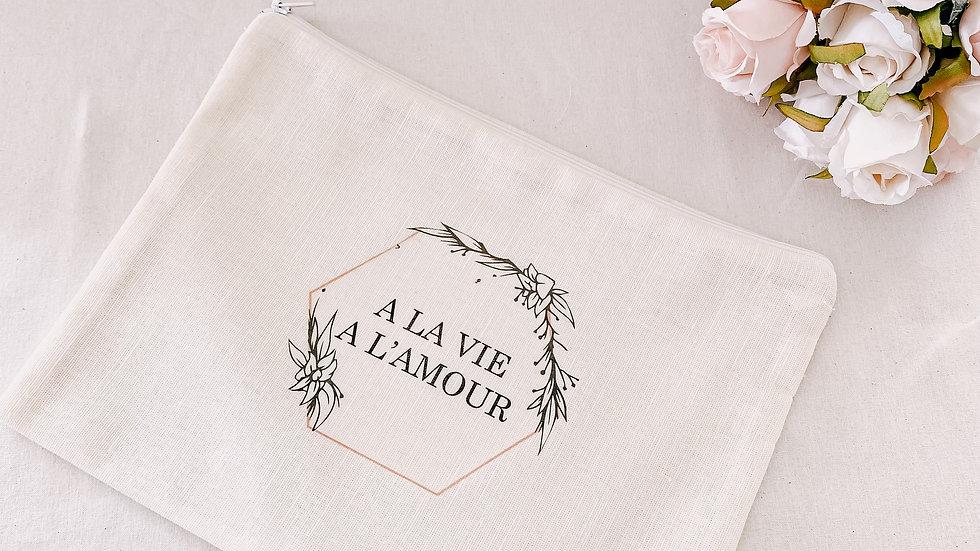 """Grande Pochette """"A la vie A l'amour"""",  ivoire..."""