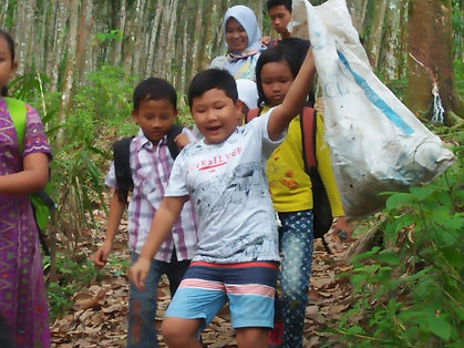 Kids picking up rubbish.jpg