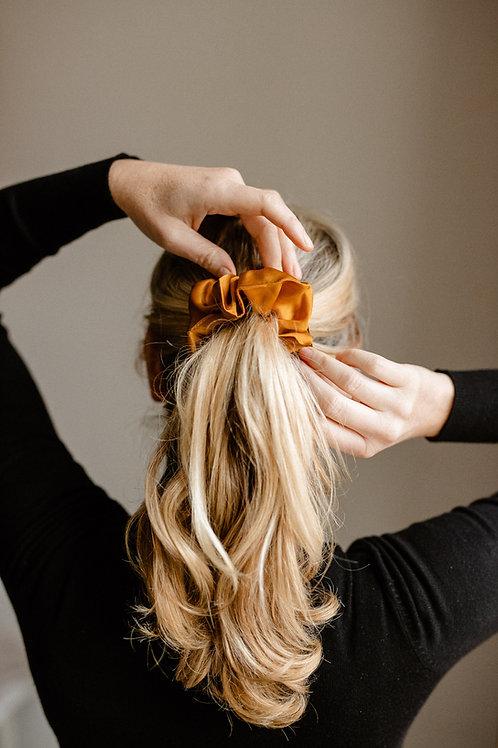 Növényi festett hernyóselyem hajgumi