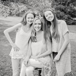 Mom+girls, BW