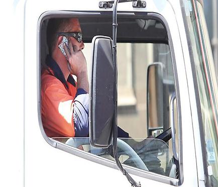 white trucker.png