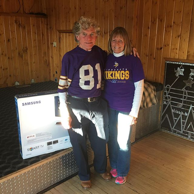 Well the game wasn't any fun but it was fun for Tom Julian, the winner of our second TV giveaway