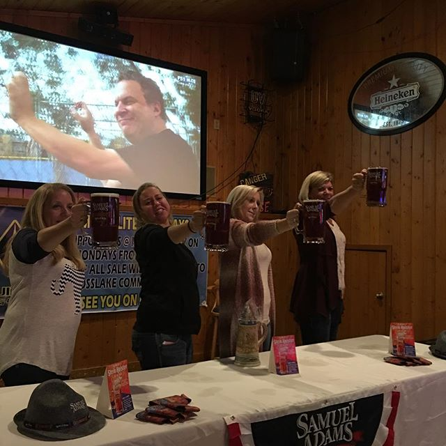 Sam Adams Stein hoisting contest tonight at the bay #MoonliteBay #steinhoistingcompetition #samadams