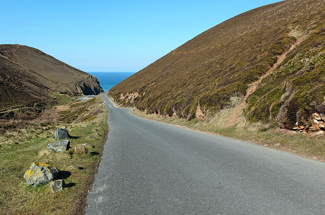 Narrow road to Chapel Porth beach in Cor