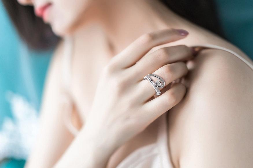 Artisan Joaillier Cannes - Mougins (06). Joaillerie Wil Le Cher, joaillier spécialiste diamant, création de bijoux, bagues de fiançailles et alliances