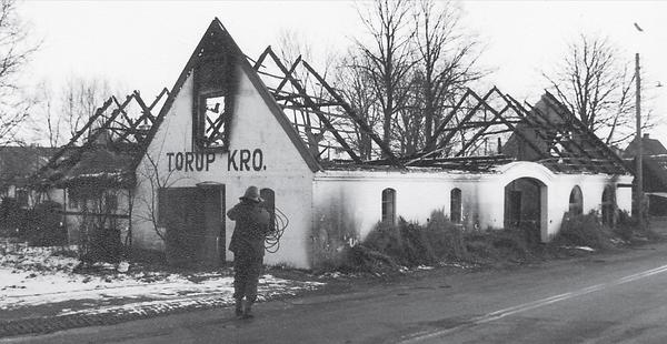 Torup Kro efter branden i 1974.png