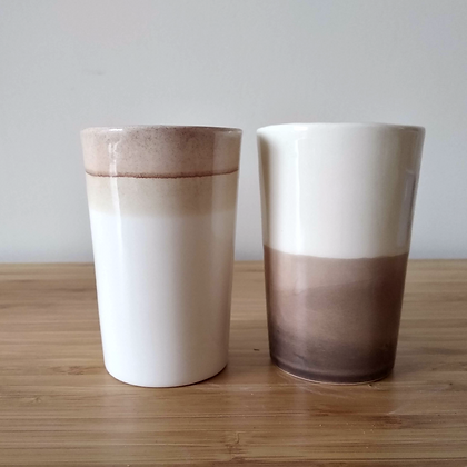 זוג כוסות קפה שחור