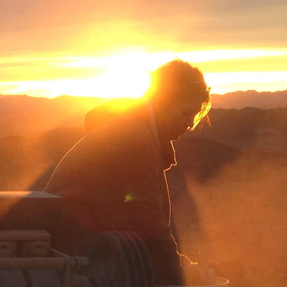 shaker table sunset