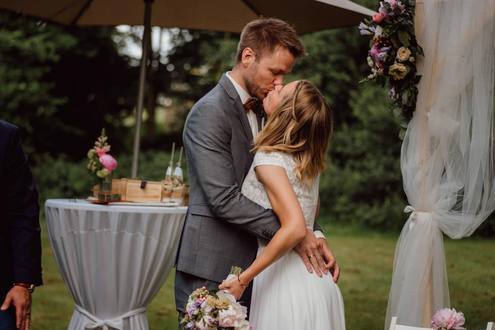 Jules Hochzeit - Freie Trauung Hof Steff