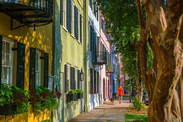 Rainbow Row colorful and well-preserved historic Georgian row houses in Charleston, South