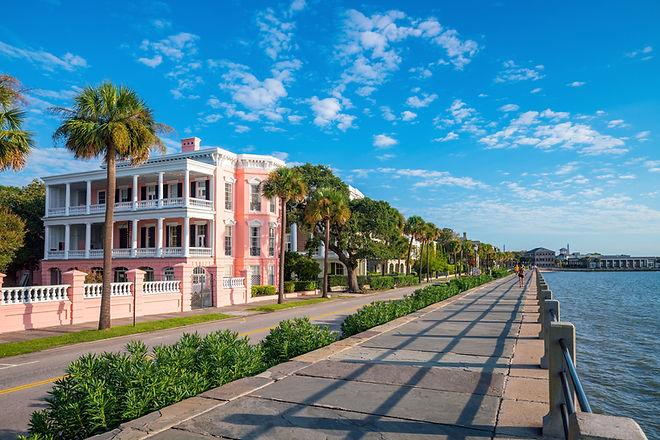 Battery Park in the historic waterfront area of Charleston, South Carolina, USA.jpg
