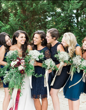 wild, bohemian bridal bouquet in red and blush