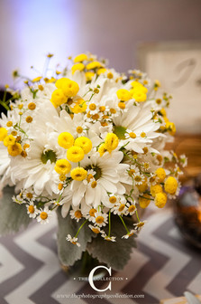sweet daisy bridal bouquet in white and yellow