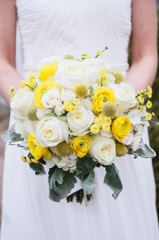 garden style bouquet in white and yellow