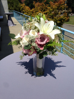 garden style bouquet of lilies, roses and Queen Anne's lace