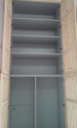 Interior, armario trastero