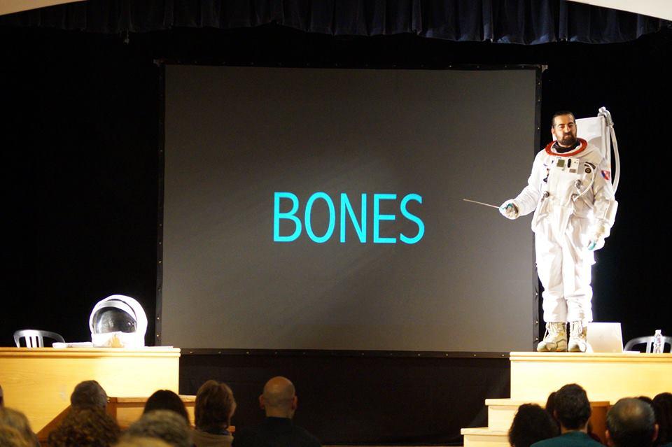 """Les Coses """"Bones"""""""