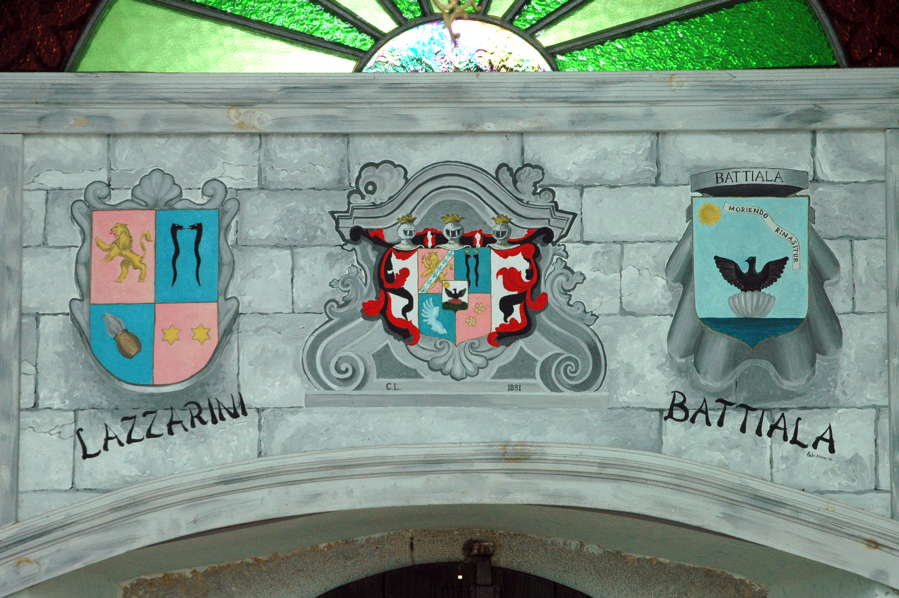 Family Lazzarini-Battiala crests