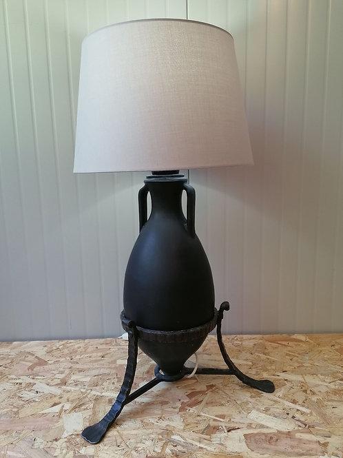 Stolna lampa amfora
