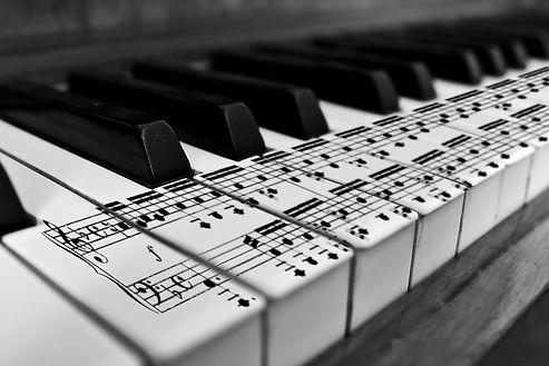 karl683-pianino-klavishi-noty.jpg