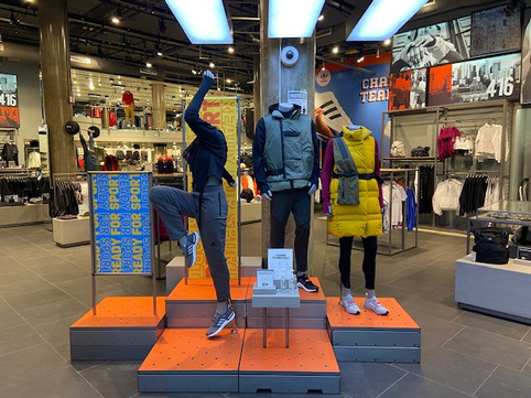 Entrance Mannequin Styling