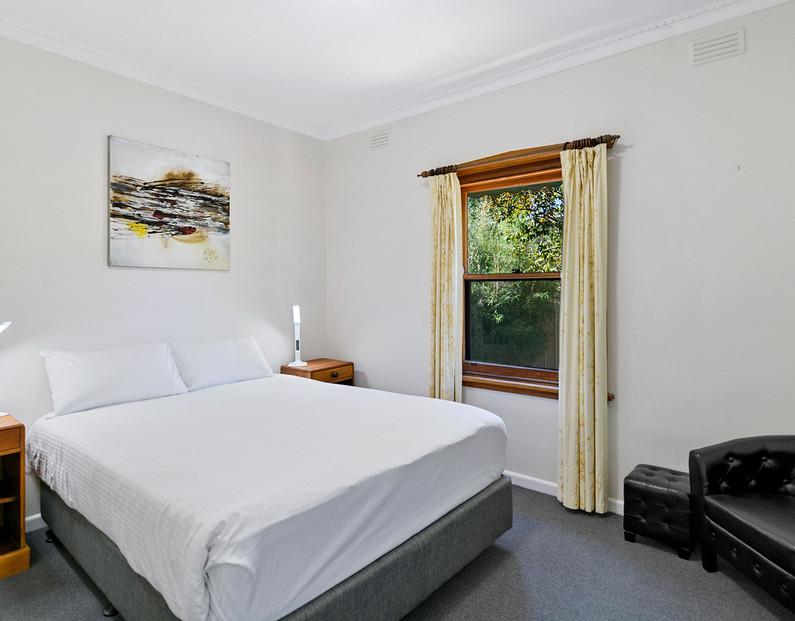 brock st bedroom 2.jpeg