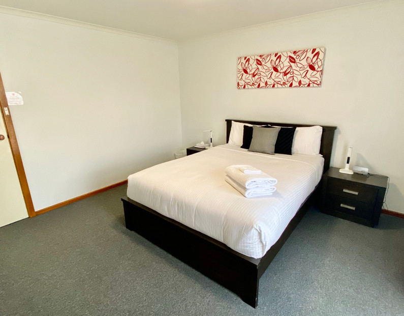 Sevens Avenue Side View Bedroom
