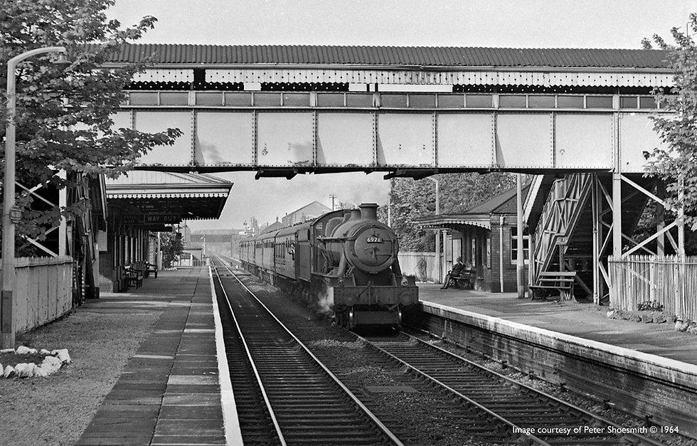 hall-green-railway-station-old2.jpg