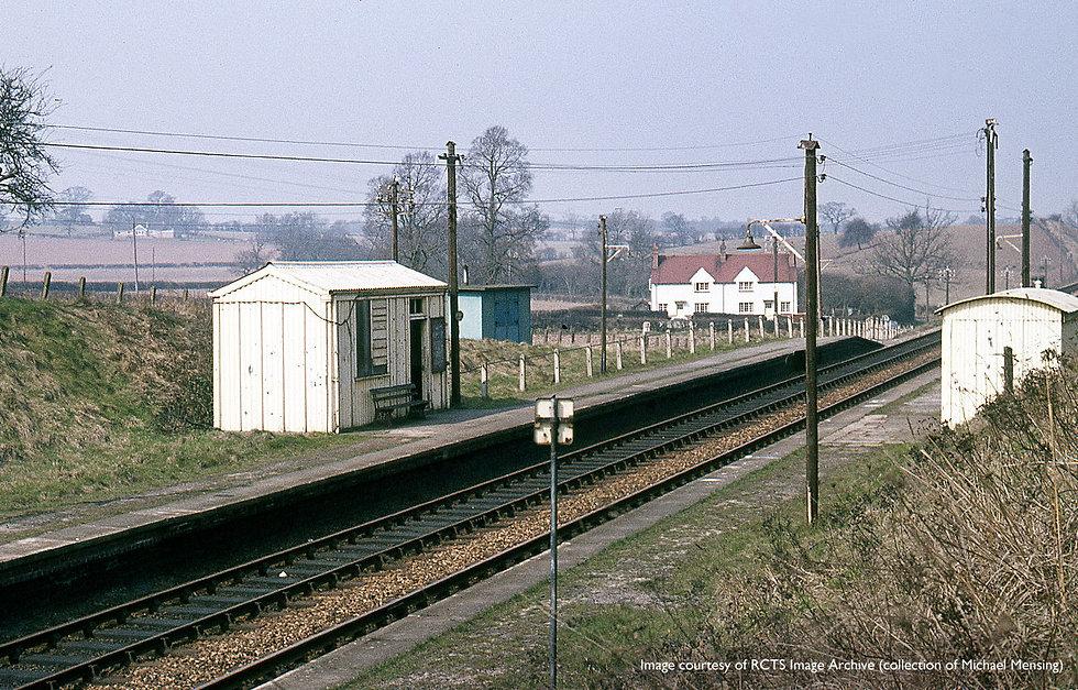 wooten-wawen-railway-station-old.jpg