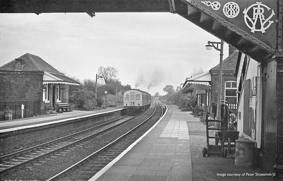 wilmcote-railway-station-old2.jpg