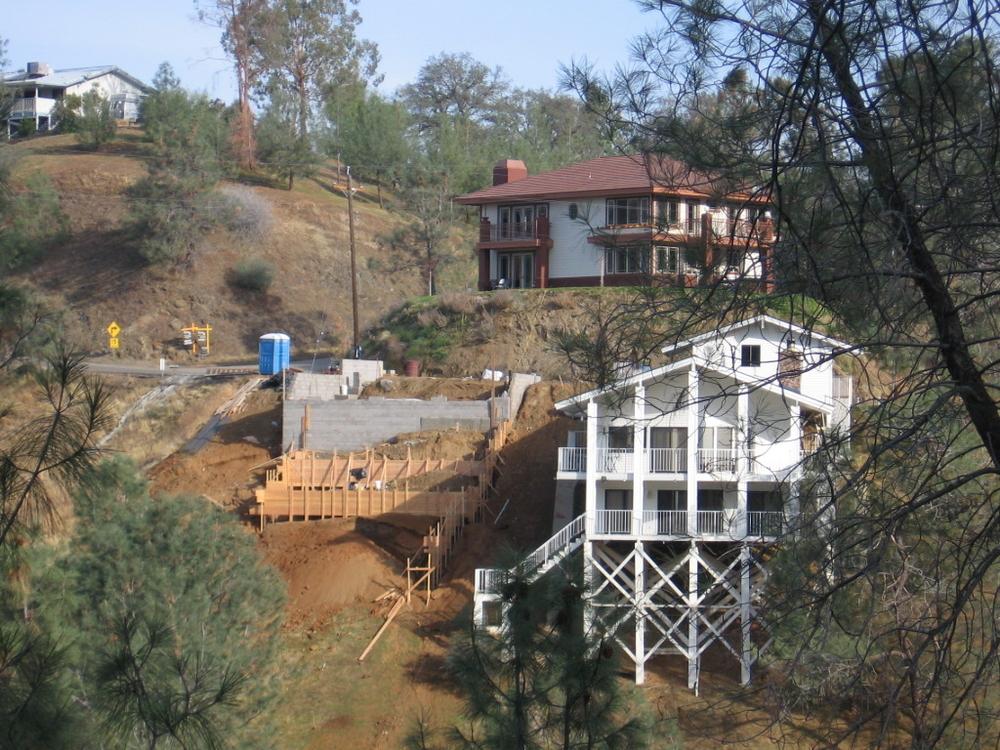 Dagliyan Hillside House