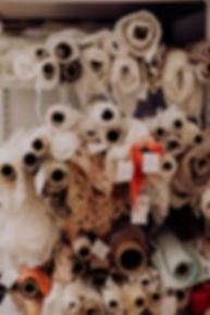 Patrick Langwallner, Couture Atelier, Schneiderei, Stoffe, Stoffrollen, Spitze, Seide, Duchesse, Taft, Satin, Brautstoffe, Brautkleider, Nähseide, Handarbeit, Handwerk, Nadelkissen, Hochzeit, Kleid, Brautkleider, Wedding, Weddingdress, Designerin, Damenschneiderei, Couturestoffe, Hochzeit