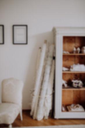 Brautkleid, Brautkleider, Salzburg, Tirol, Österreich, Schneiderei, Damenschneiderei, Designerin, Brautmode, Patrick Langwallner, Hochzeitskleid, Brautschuhe, Hochzeitskleider, Ankleidezimmer, Salzburger Altstadt, Couture, Haute Couture, Bridal, Mode, Modedesign, Braut, Tracht,