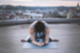 Bir Yoga Kadın poz