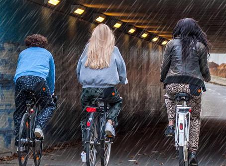 Waarom draagt de jeugd geen regenbroek?