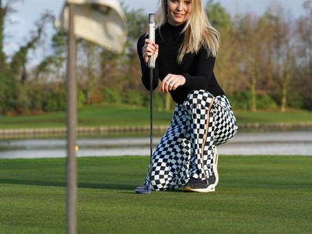 Open in stijl het nieuwe golf seizoen.
