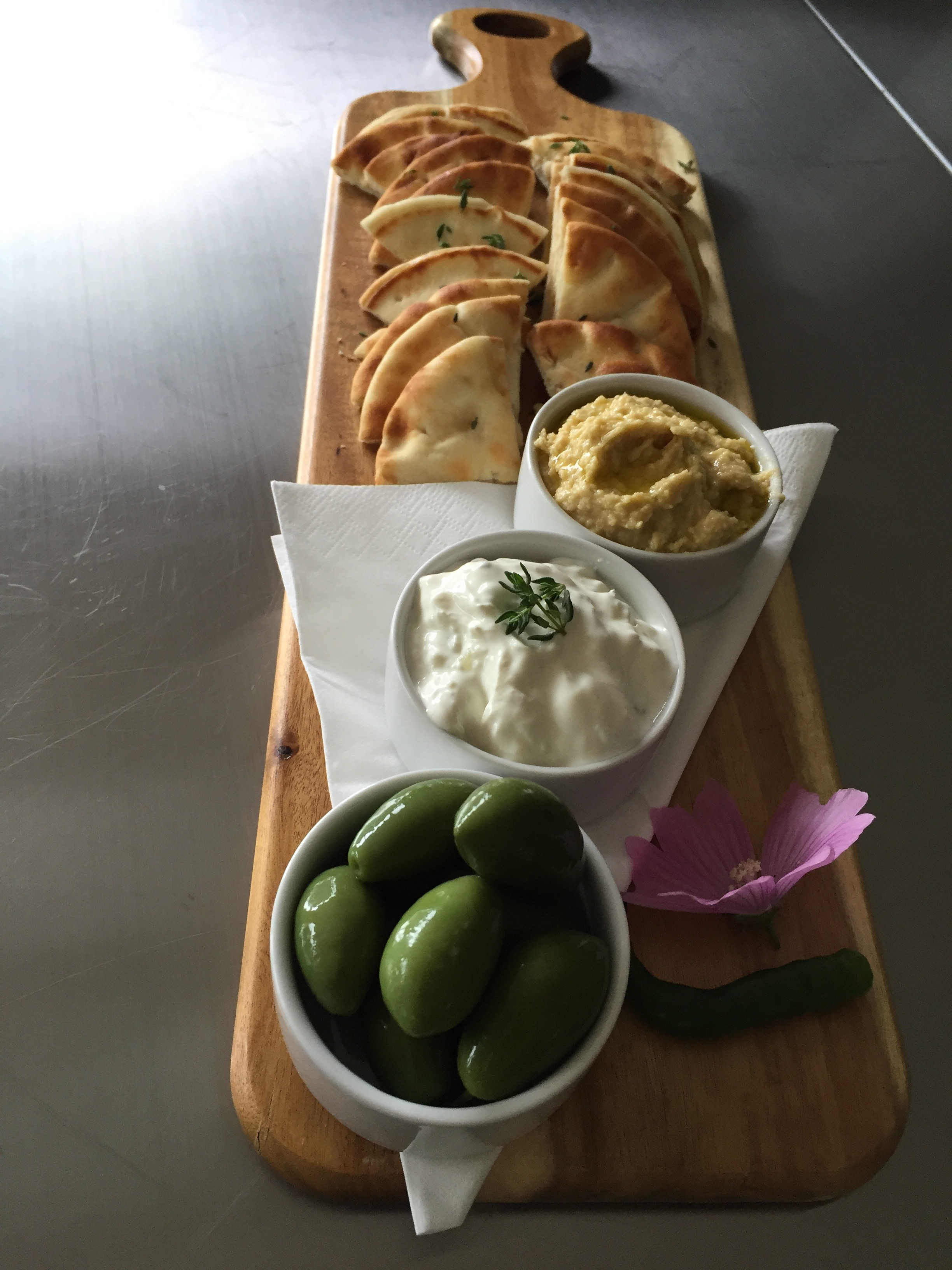 fresh hummus, cucumber & garlic yogurt dip served with olives and fresh pita