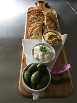 fresh hummus, cucumber & garlic yogurt dip served with olives and fresh pita