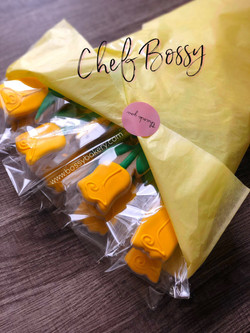 Cookie Bouquet: Yellow Roses