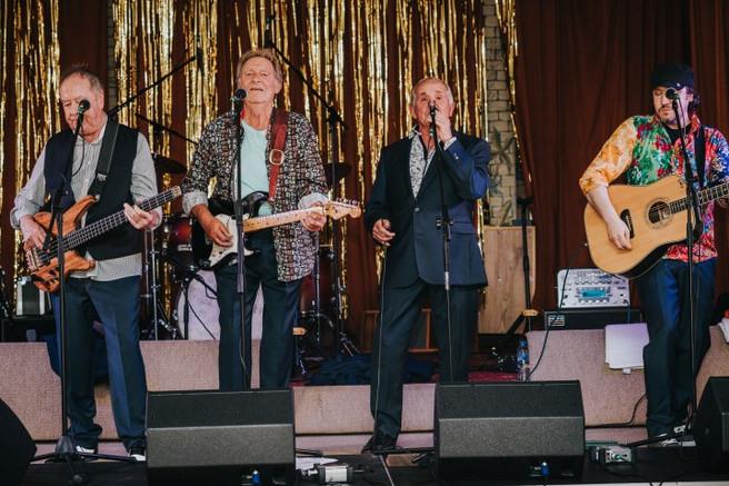Dozy, Beaky, Mick & Tich