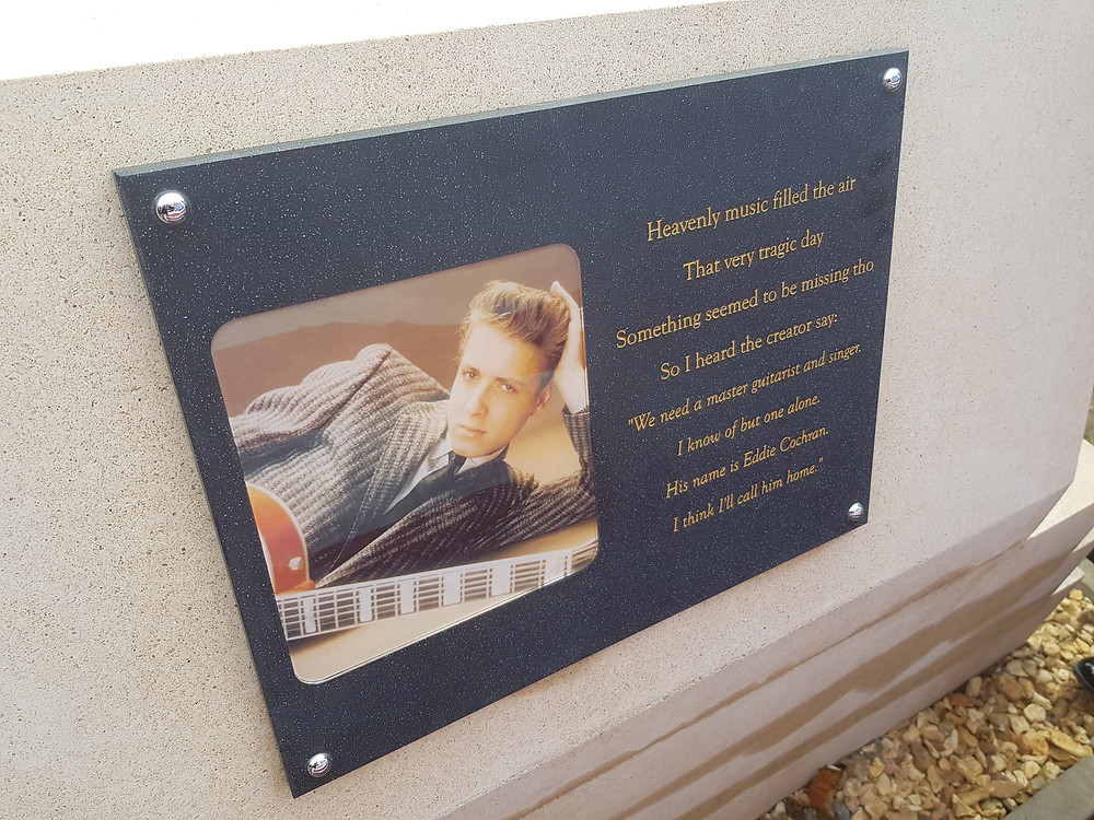 Eddie Cochran plaque on rear of memorial.