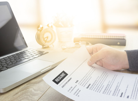 What to Look for When Choosing Top-Tier Professional Resume Writers