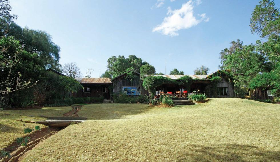 Lolldaiga-Hills-Farmhouse-13.jpg