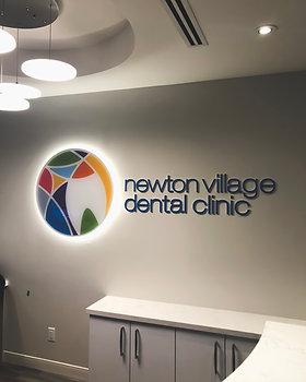 Newton Dental Halo Lit sign