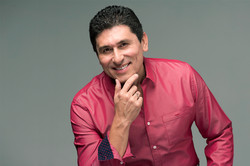 César Lozano